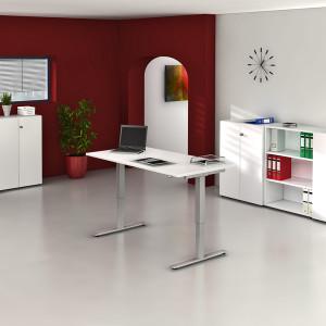 offenes Büro mit weißem Schreibtisch